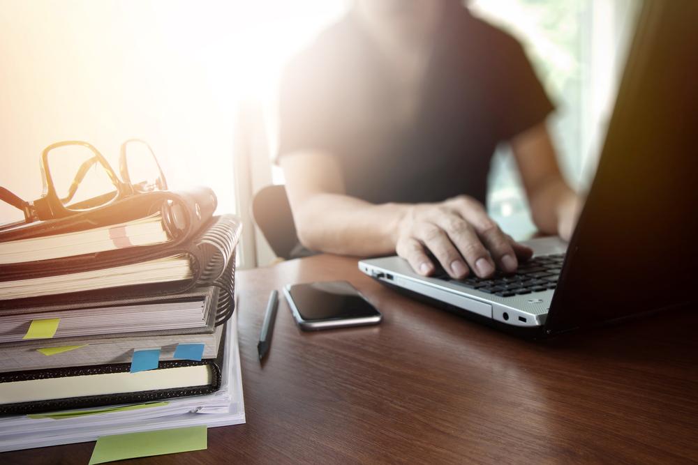 Freiberufliche Tätigkeit: Das musst du für deinen Start wissen