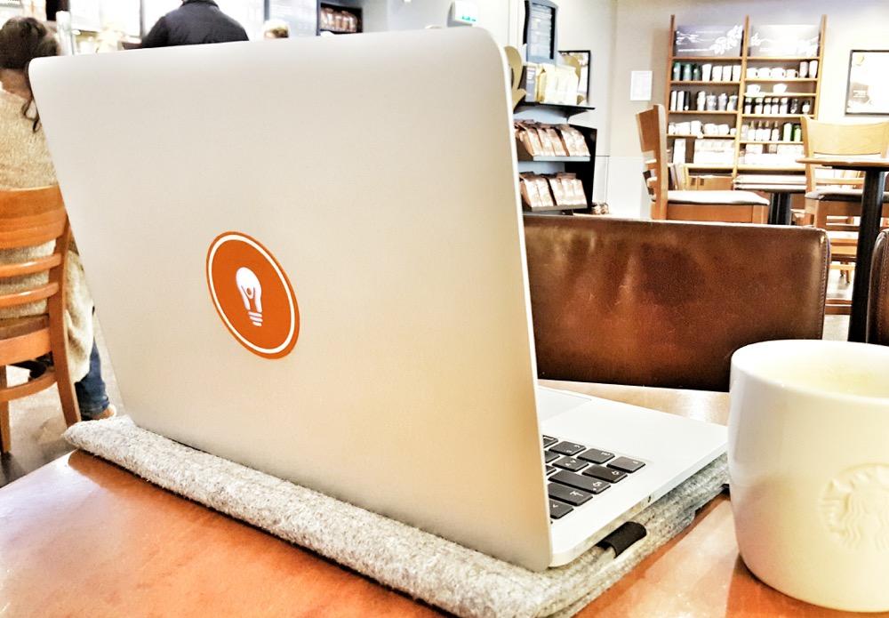 Gewinnspiel: Verschönere dein MacBook mit deinem Logo als Sticker